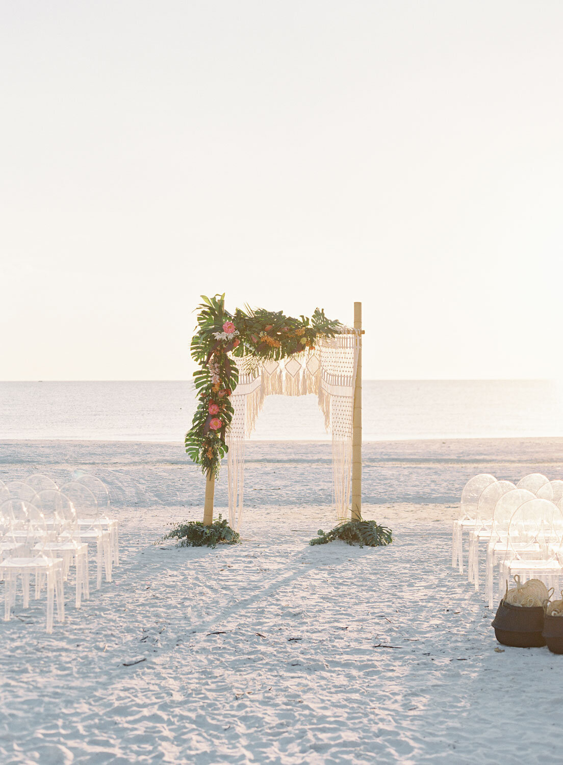 elegant-bohemian-tropical-december-destination-wedding-melanie-gabrielle-photography-martha-stewart-submission-020