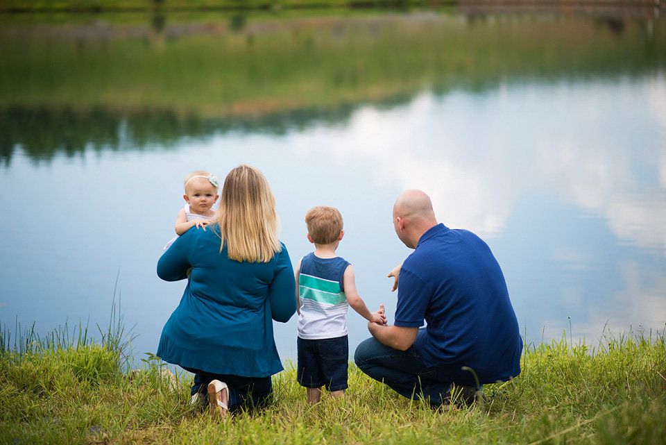 mercier_orchards_by_the_pond_family_portraits_blue_ridge_ga