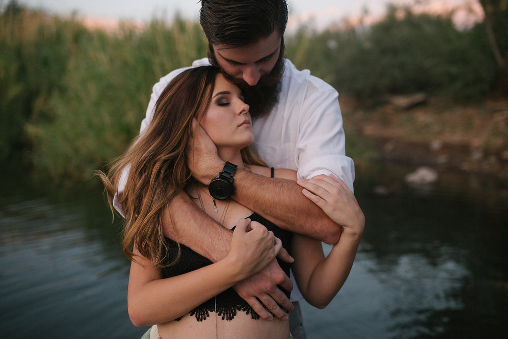 Engagement session couple in Phoenix, Arizona