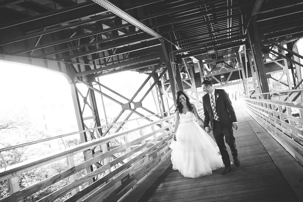 Milwaukee-Wedding-Photographer-Modern-Creative-123