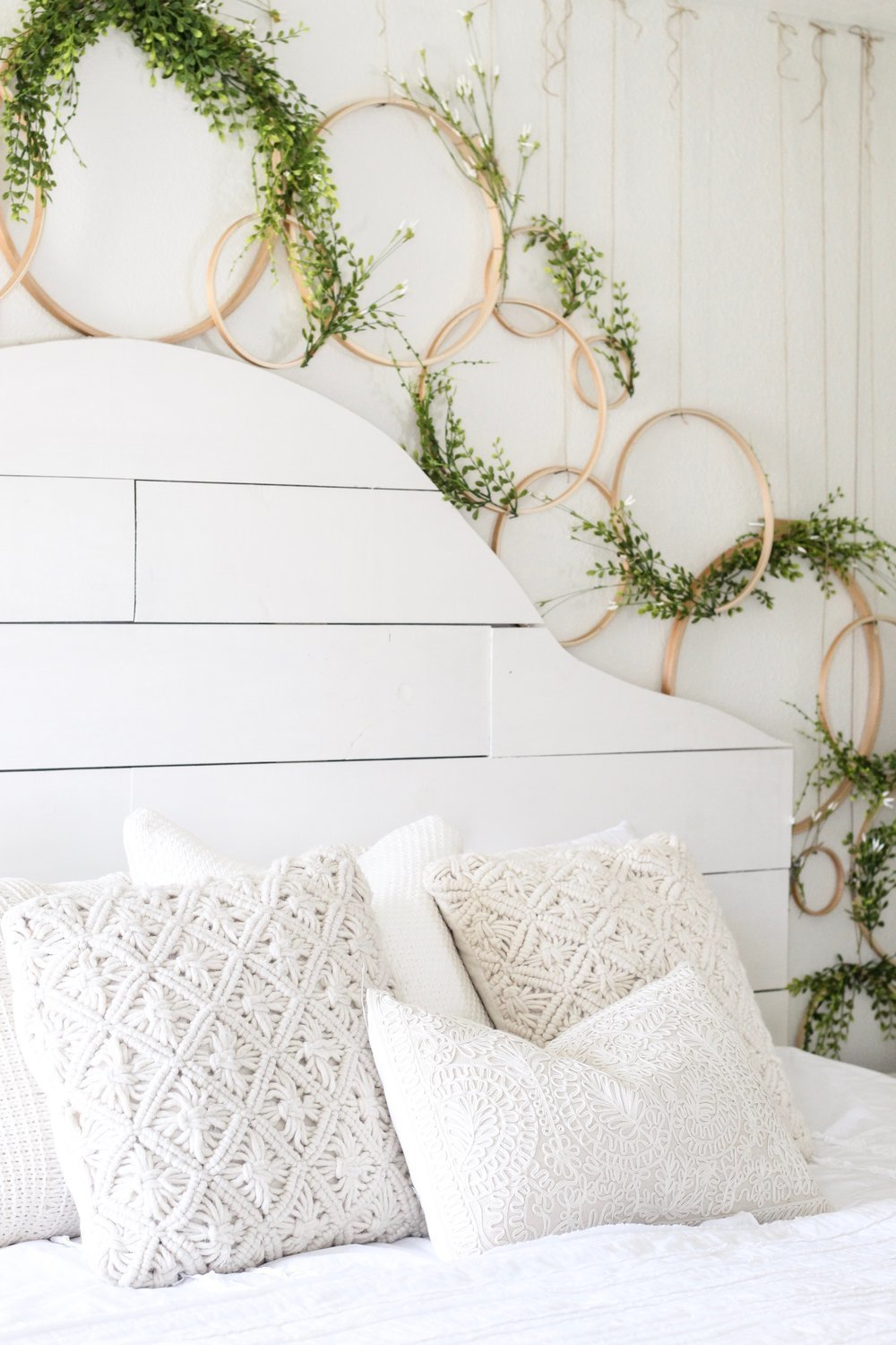 Cotton+Stem+Blog+wreath+wall+spring+decor+shiplap+headboard+farmhouse+bedroom