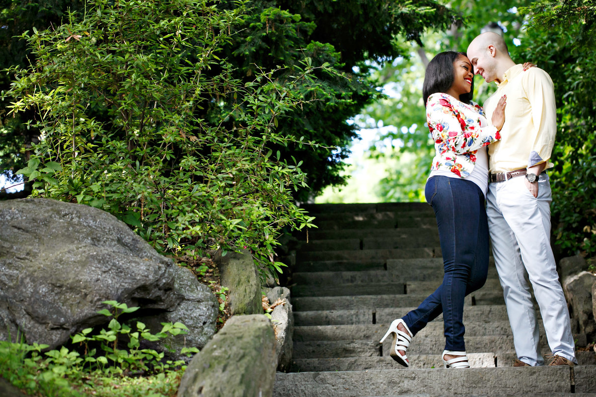 AmyAnaiz_Fort_Tyrone_Park_Cloisters_Engagement_New_York_008