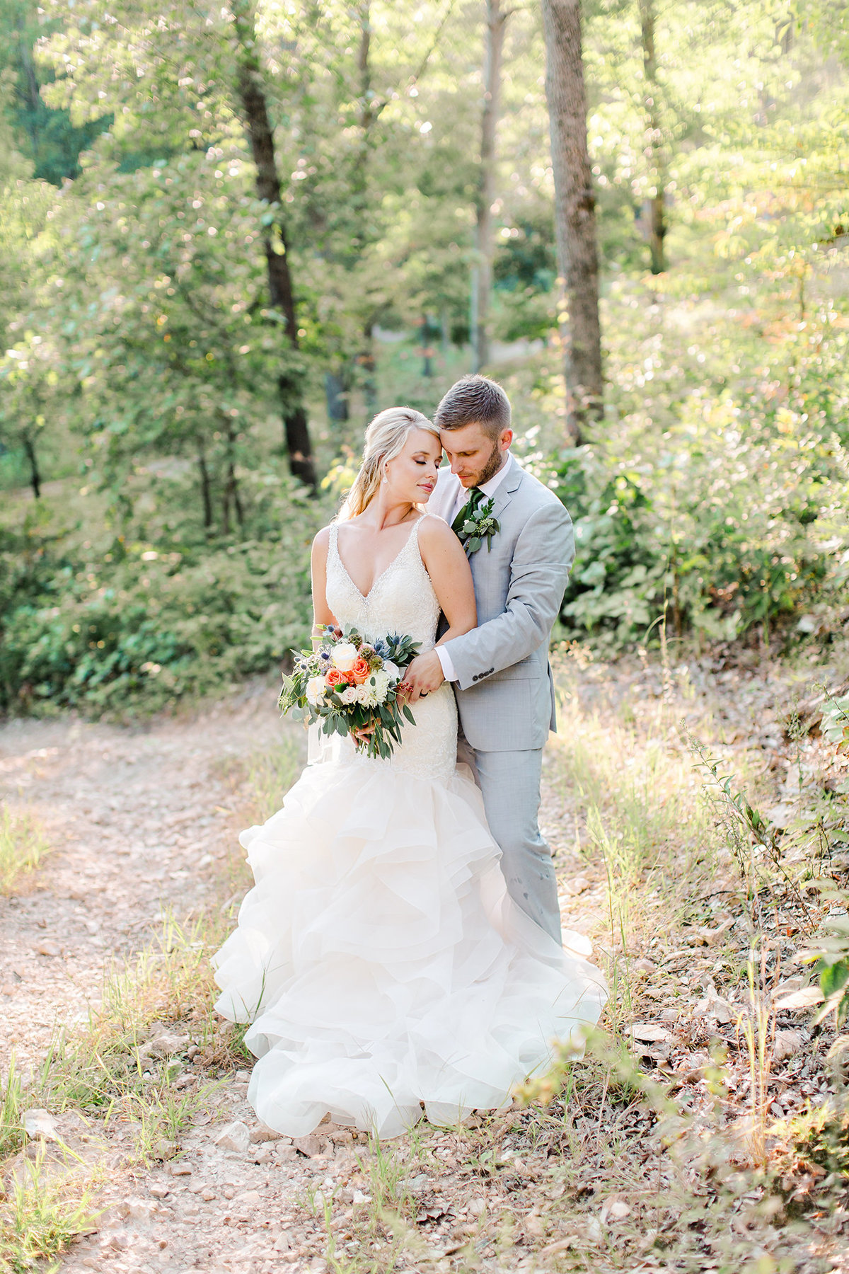 Silver Oaks Chateau couple by Springfield MO Wedding Photographers Turner Creative