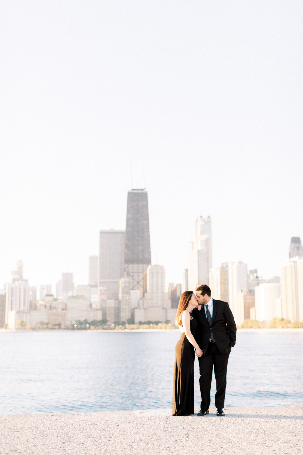 TiffaneyChildsPhotography-ChicagoWeddingPhotographer-Alana+Giancarlo-NorthAvenueBeachUnionStationEngagementSession-12