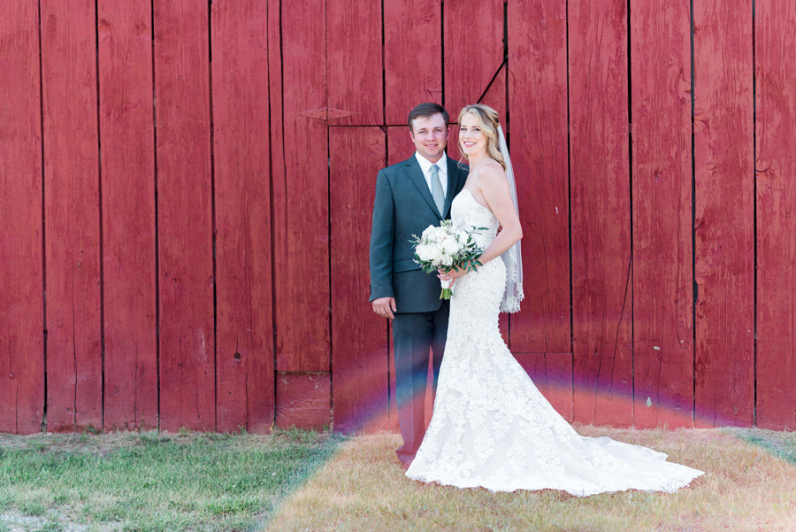 Intimate-Barn-Lewisburg-Wedding-photos-by-carrie-b-joines (2)