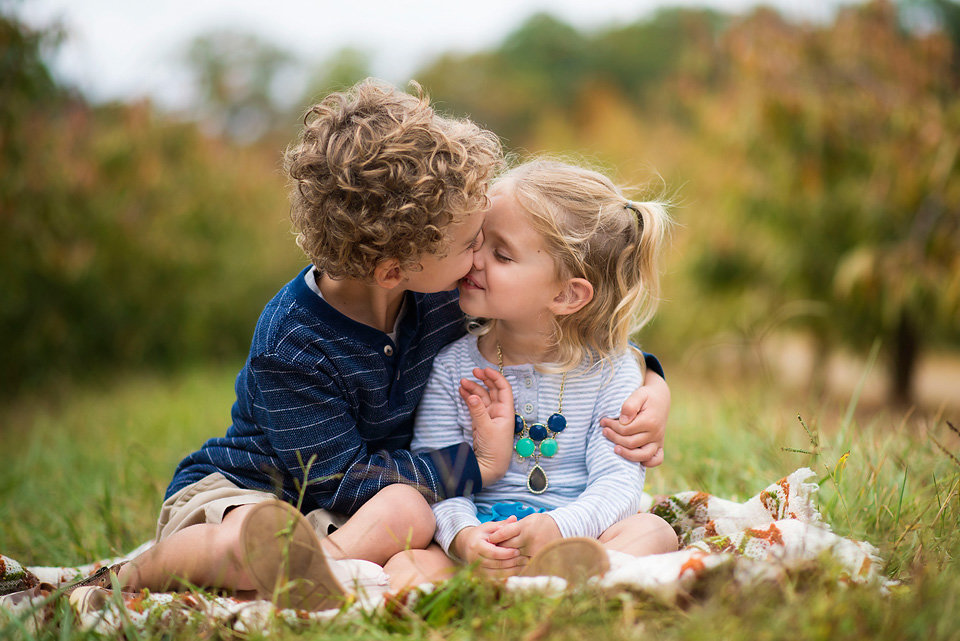 Mercier_Orchard_outdoor_family_session_blue_ridge_ga_brother_sister