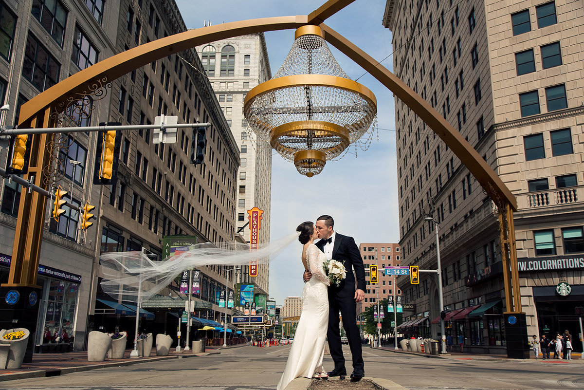 Cleveland-Chandelier-wedding