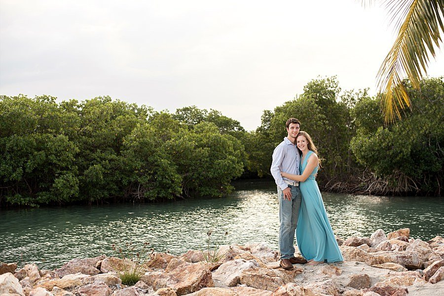beachside-aruba-picture-couples-session