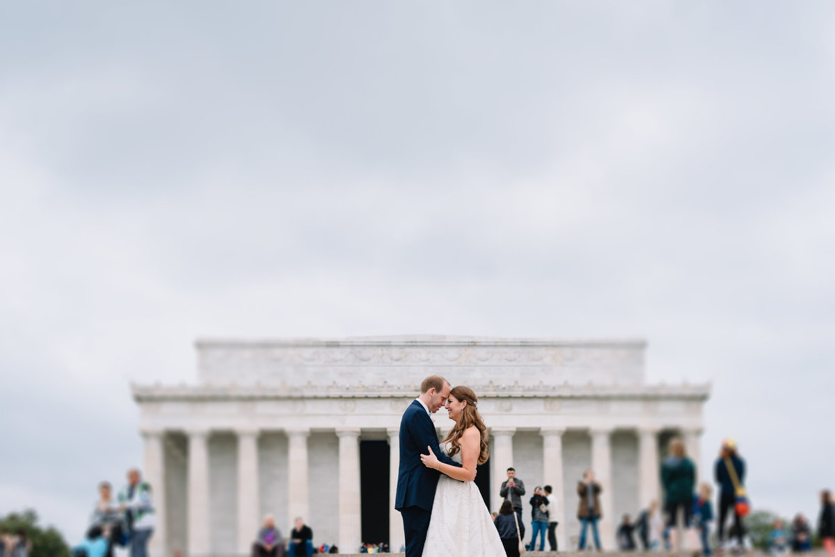 washington dc lincoln memorial bride and groom