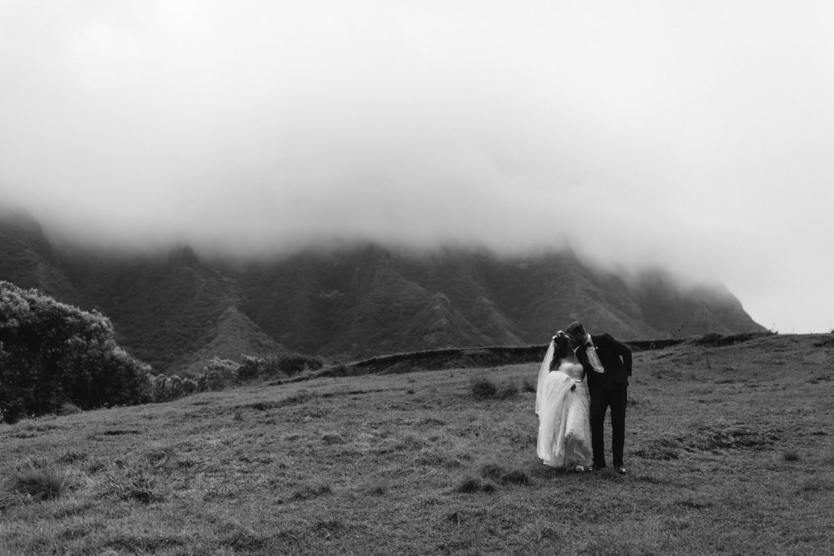 KUALOA-RANCH-WEDDING-PHOTOGRAPHER-MEGAN-SAUL (5 of 8)