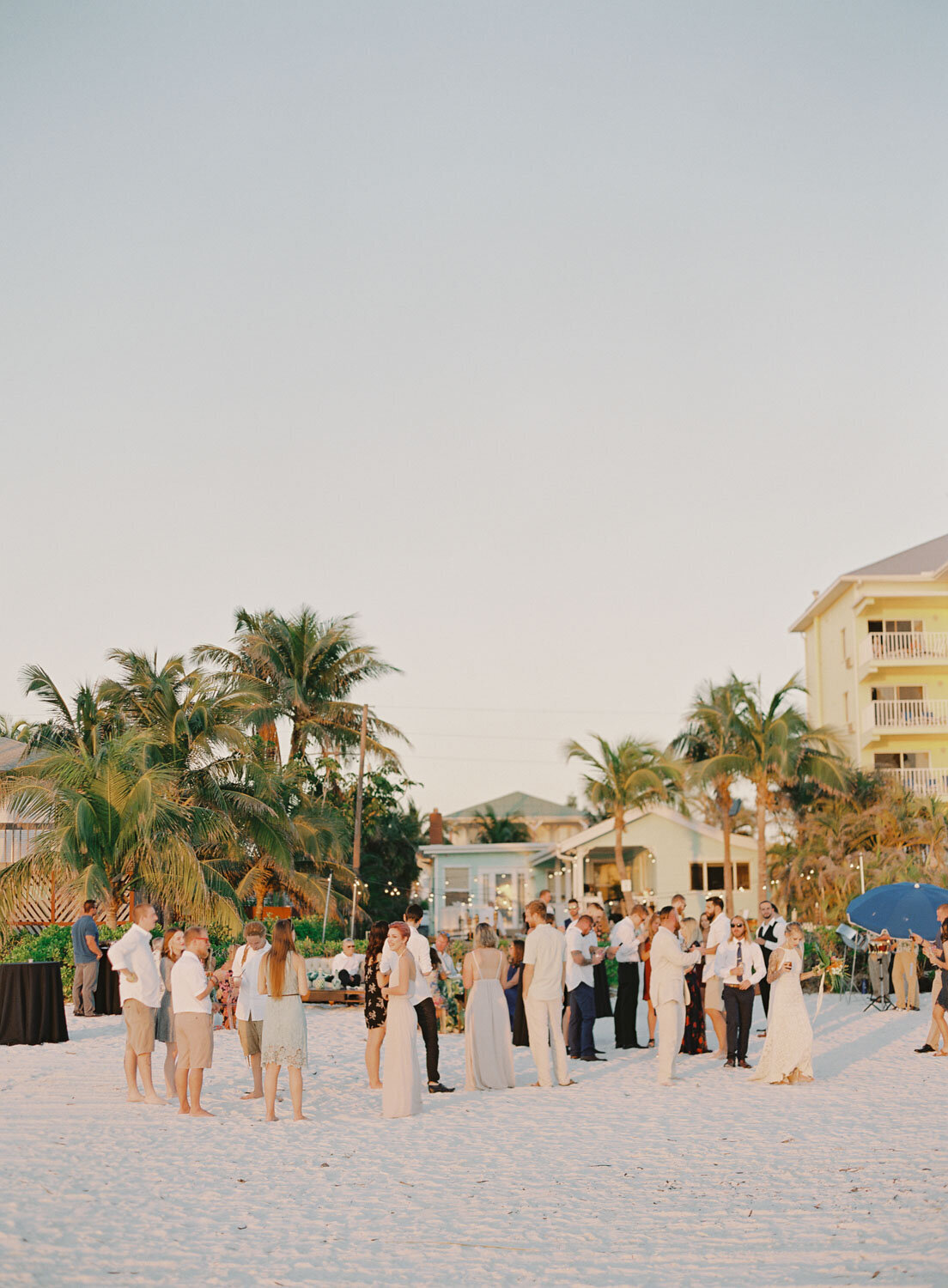 elegant-bohemian-tropical-december-destination-wedding-melanie-gabrielle-photography-martha-stewart-submission-097