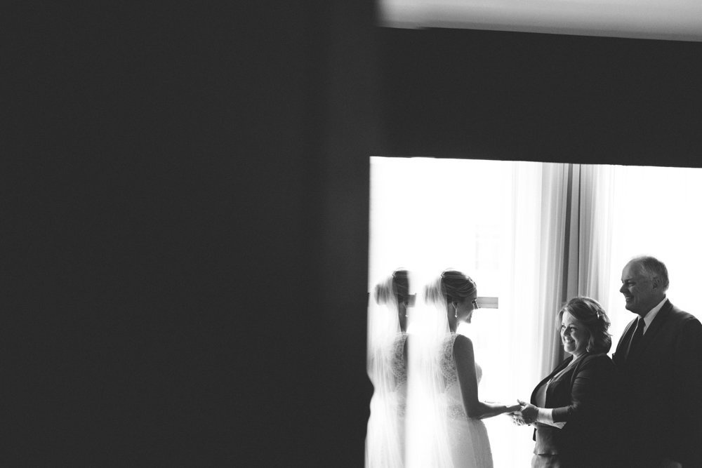 Milwaukee-Wedding-Photographer-Modern-Creative-54