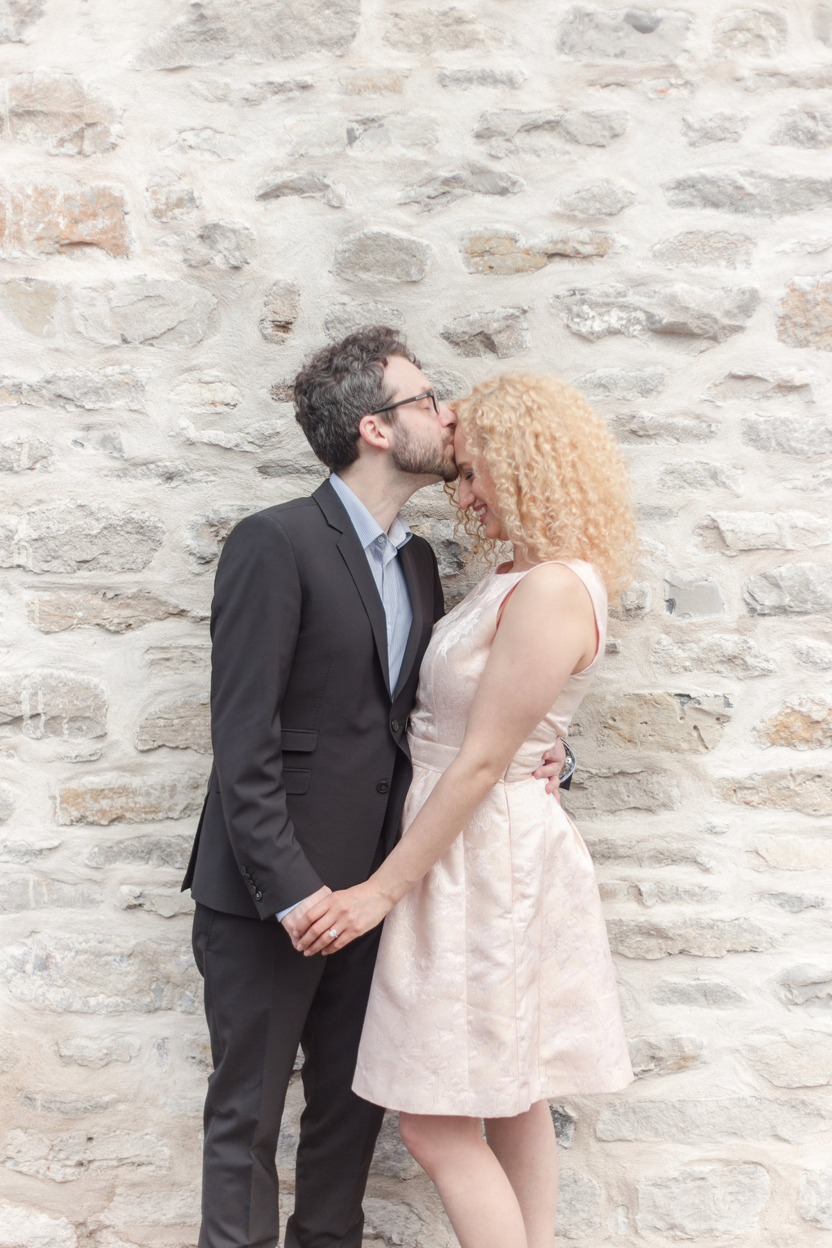 Ottawa-wedding-photographer-old-montreal-engagement