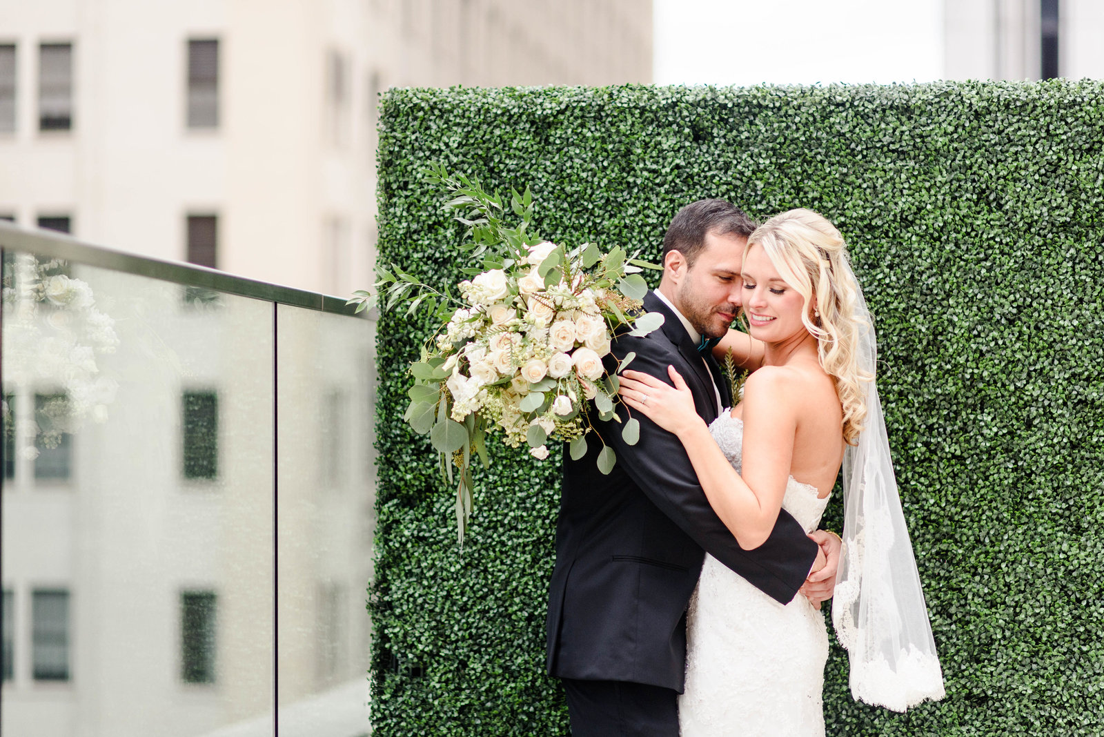 hotel-monaco-pittsburgh-rooftop-wedding-photos-64