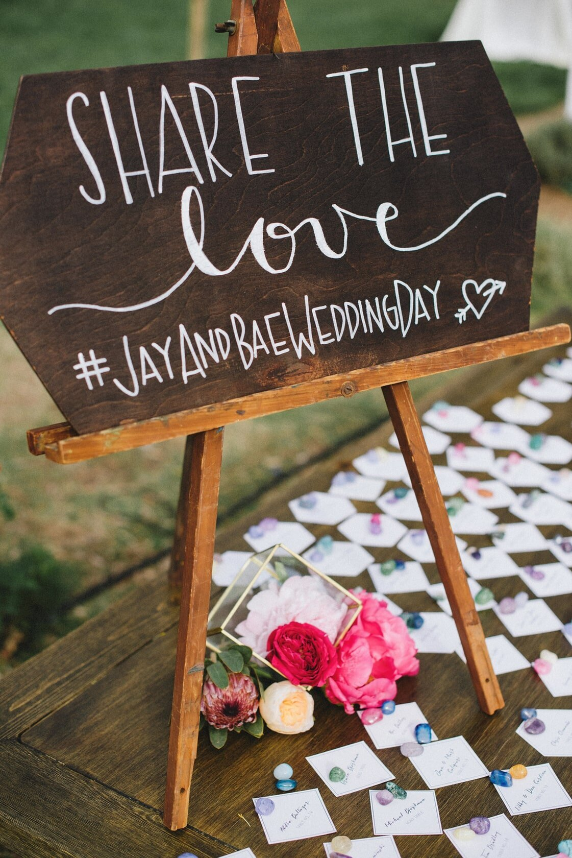 share-the-love-reception-sign