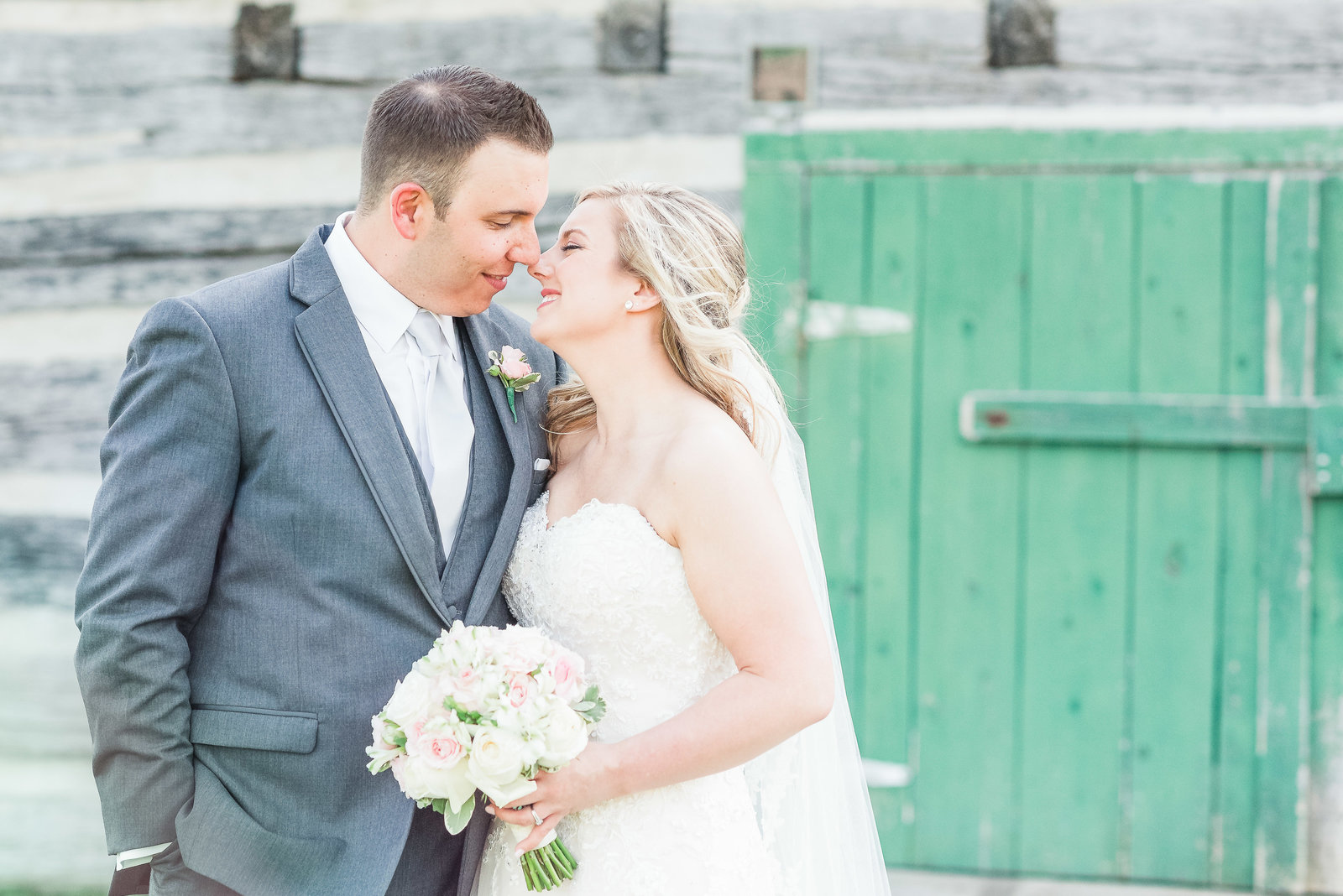 Blush-Mint-Spring-Wedding-Stonefields-Photos-Ottawa-171724