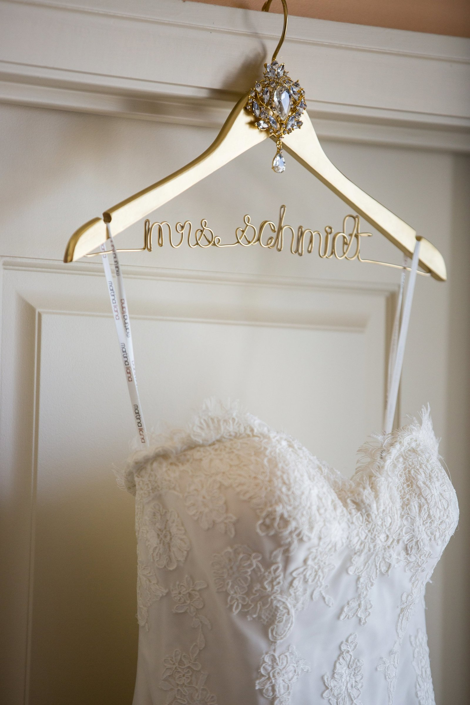 custom-hanger-for-brides