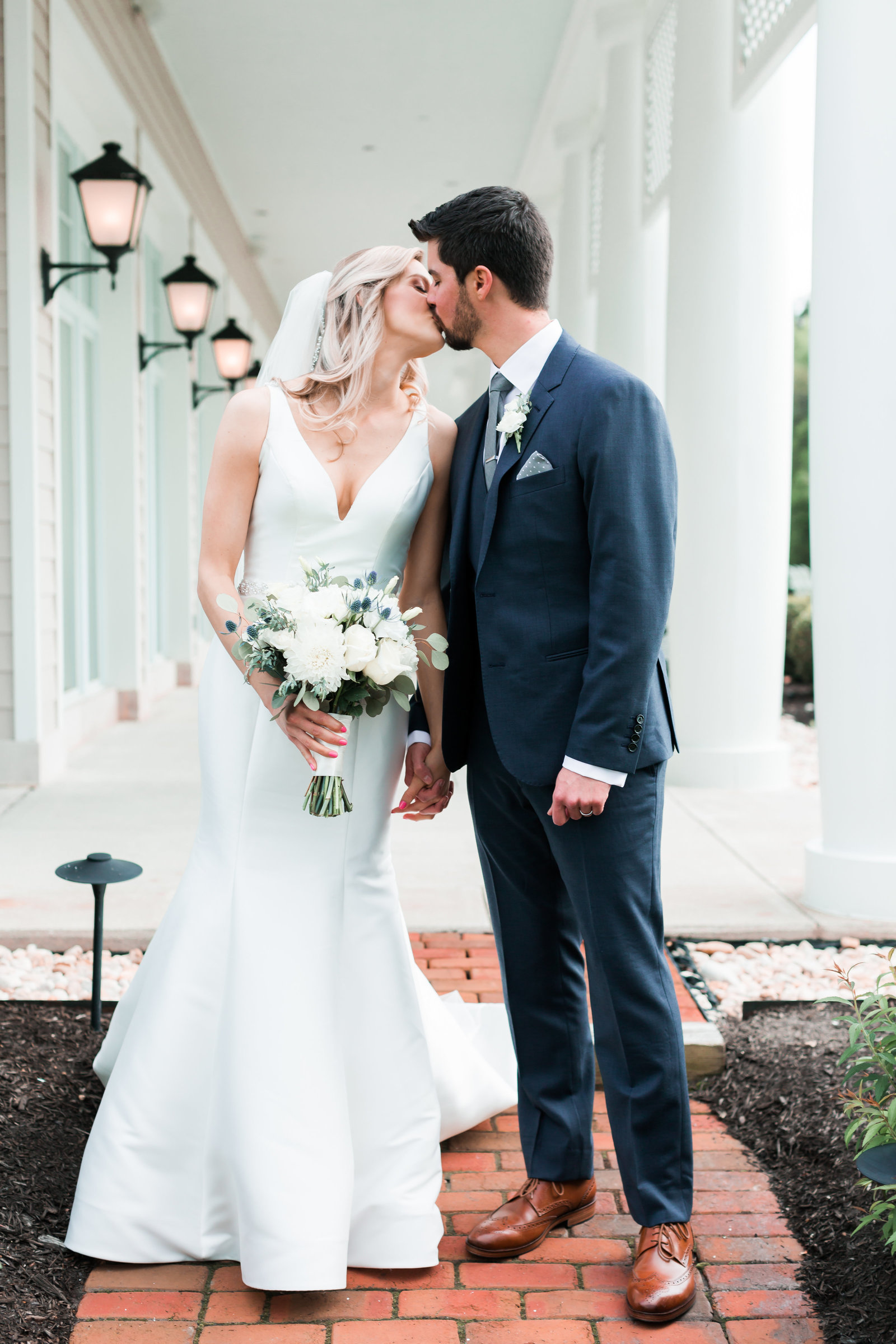 Two Rivers Country Club Classic Spring Wedding by Elizabeth Friske Photography-11