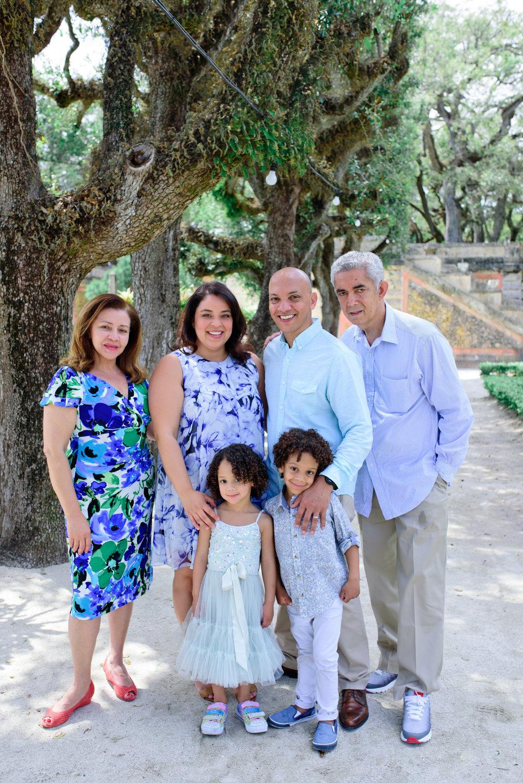 Vizcaya Gardens family photographer 0002