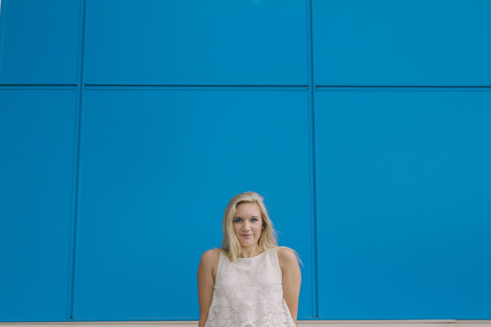 senior | elizabeth street photography | blue wall | Fargo, ND