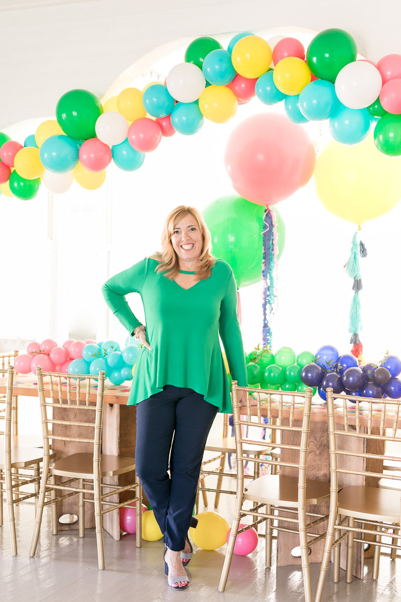 Balloon Artist | Blenda from I heart balloons | Jacksonville photography branding session 7