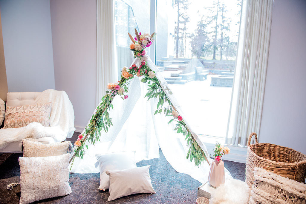 112_MaternityPhoto_Hintonburg_OttawaBabyShower_Boho_PhotosbyEmmah