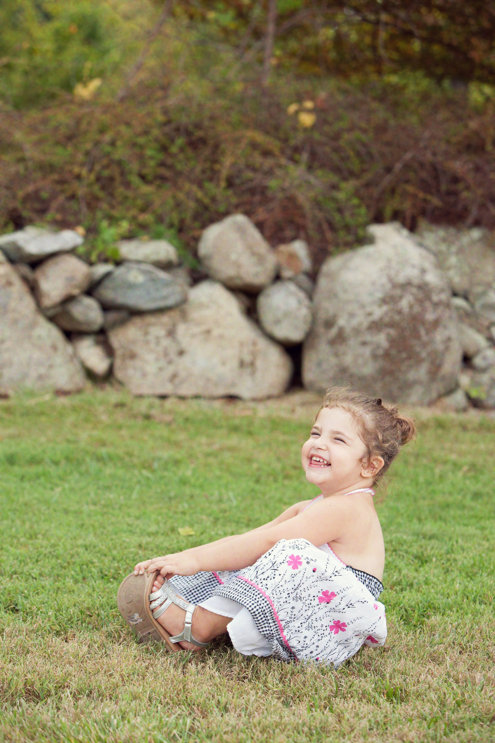outdoor children's photos in the Hudson Valley by professional photographer Autumn Photography in Cornwall NY taken at Skylands Manor NJ botanical garden