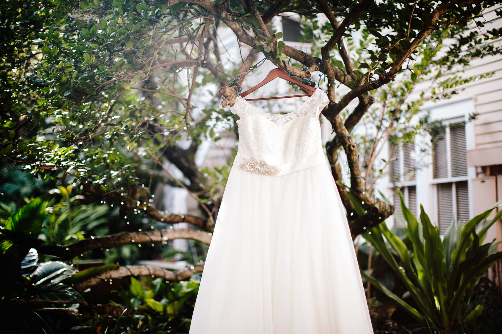 Orlando Florida intimate wedding at Lake Eola Park by Austin and Rachel Photography