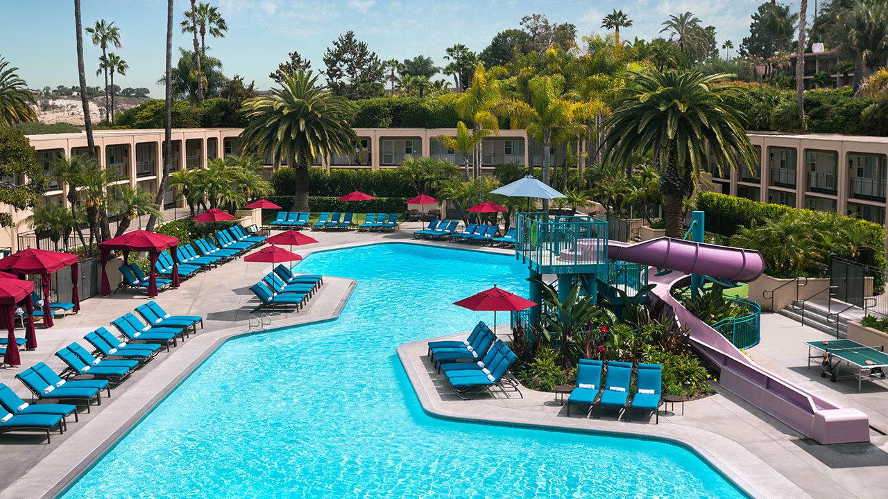 Hyatt-Regency-Newport-Beach-P147-Oasis-Pool.gallery-2-3-item-panel