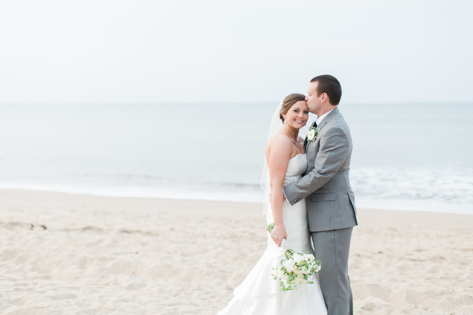 Hilton Virginia Beach Oceanfront Navy and Lime Wedding | Elizabeth Friske Photography | Megan and Harrison-110