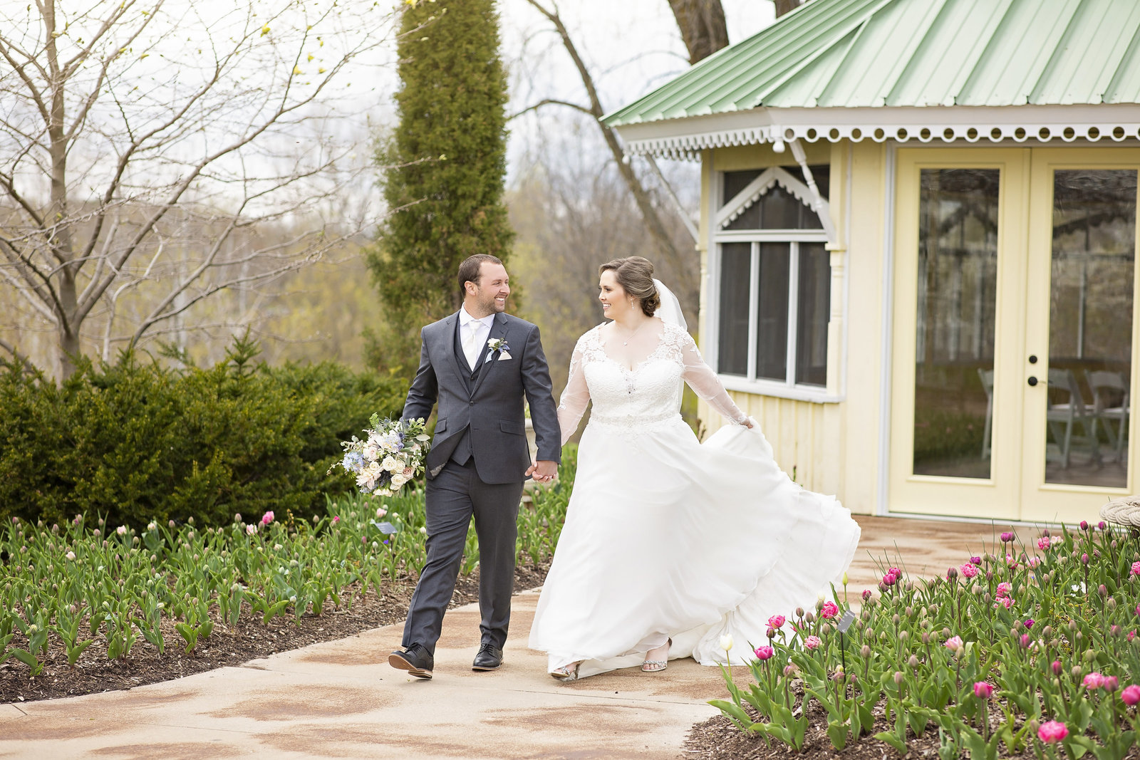 Green Bay Botanical Garden Wedding - Wisconsin Wedding
