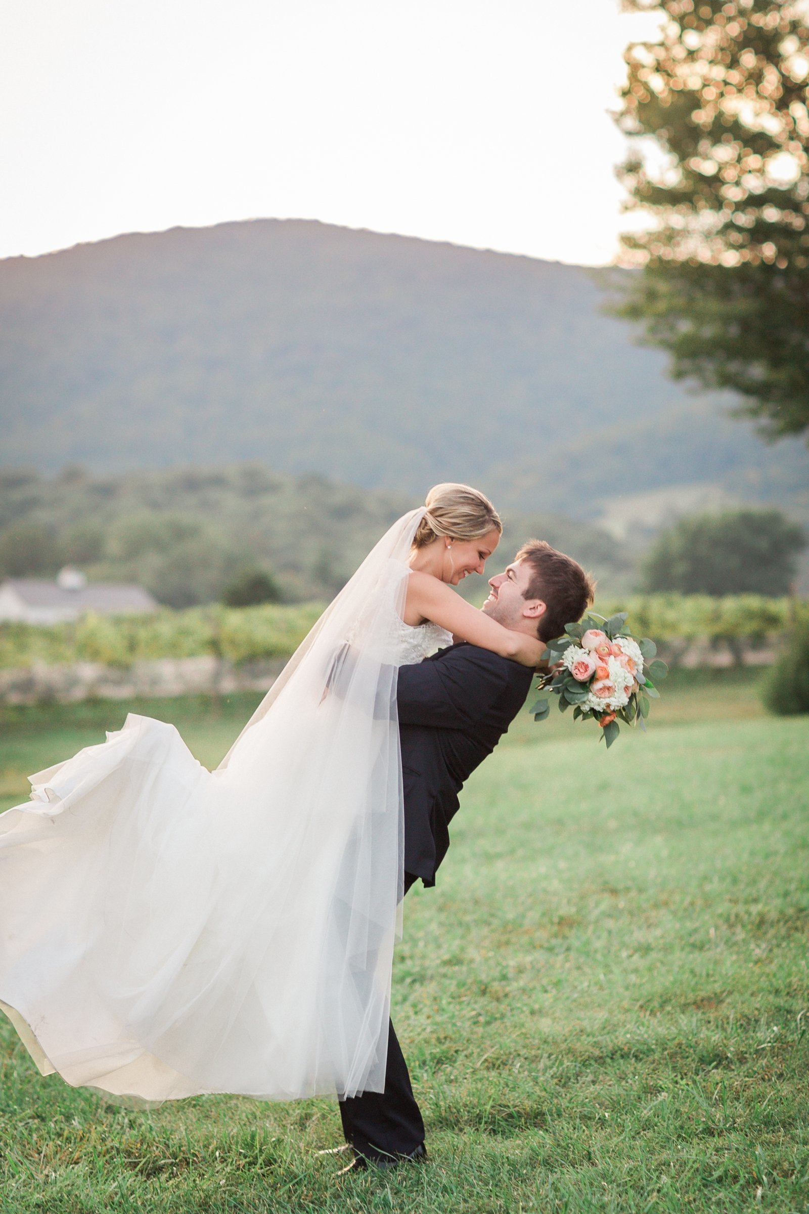 i-charlottesville-winery-wedding_1826