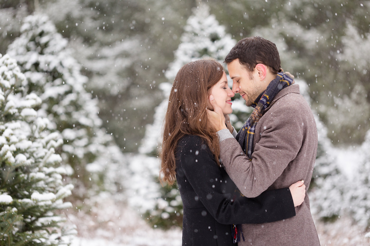 Stowe-Vermont-Winter-Engagement-Photo
