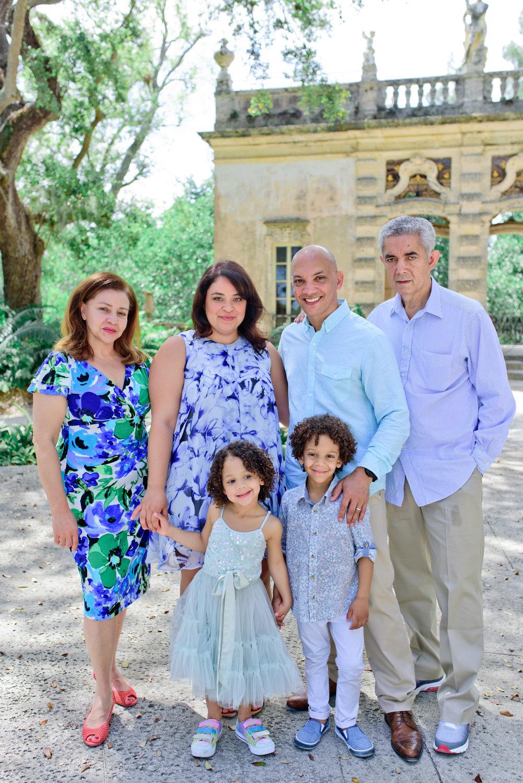 Vizcaya Gardens family photographer 0005