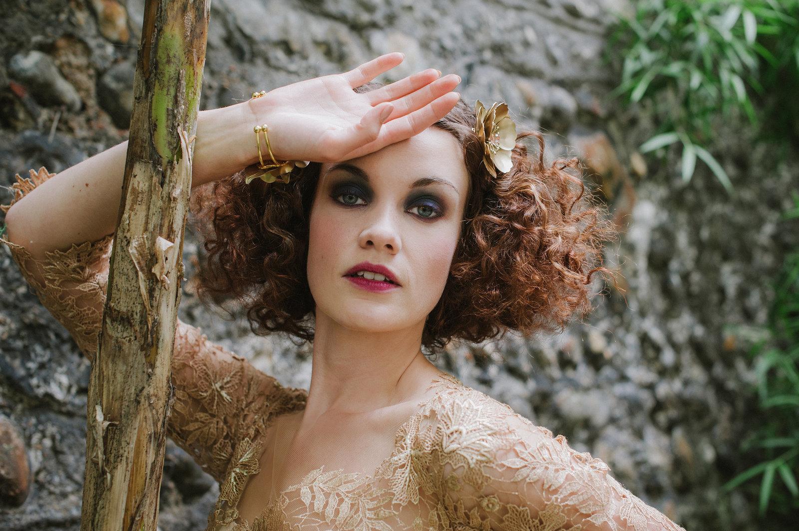 Orlagh_gold_lace_wedding_dress_JoanneFlemingDesign (6)
