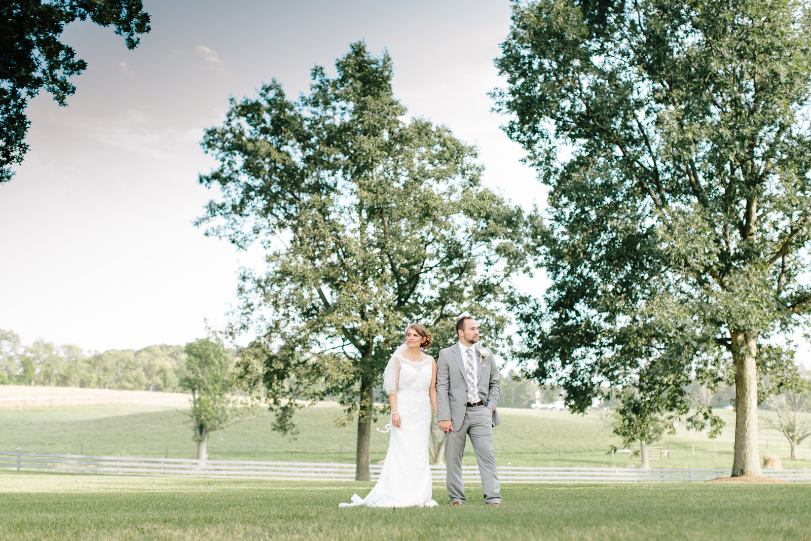 Lousville Ohio wedding at Brookside farm by Austin and Rachel Photography