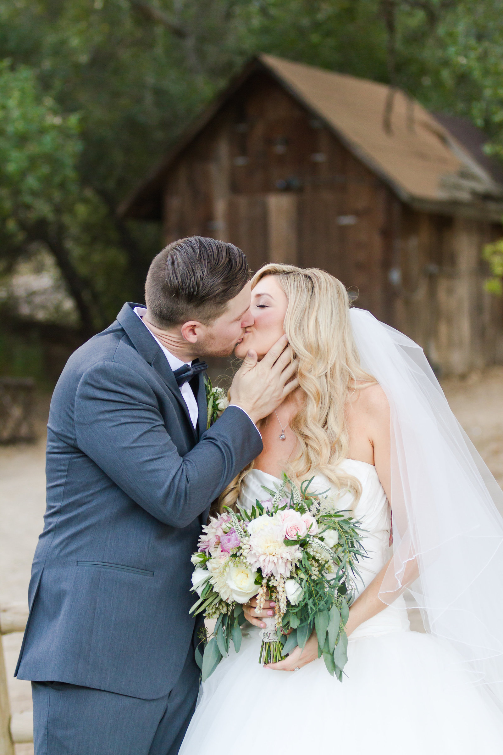 41-Temecula Wedding Pictures-Temecula Creek Inn_