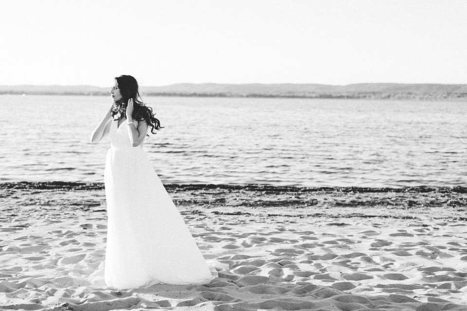 Alaa-Jad-Ottawa-Beach-Bridal-Shoot-Ali-Batoul-Creatives-114-1024x684(pp_w990_h661)