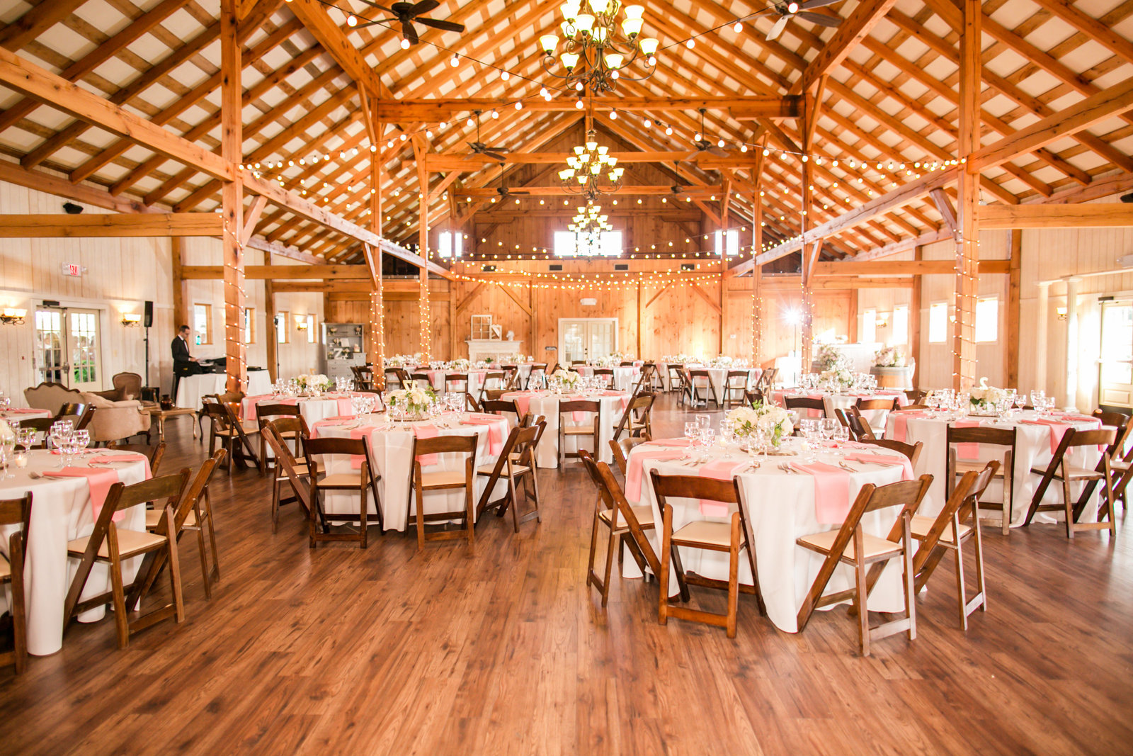 Featured Wedding- Shadow Creek, Purcellville VA - Erin and B-0048