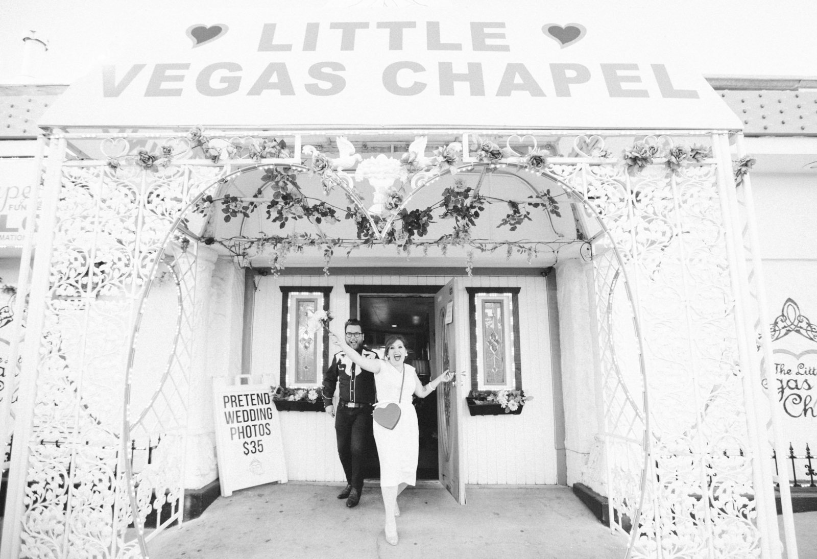 Little-Vegas-Chapel-Elopement-55