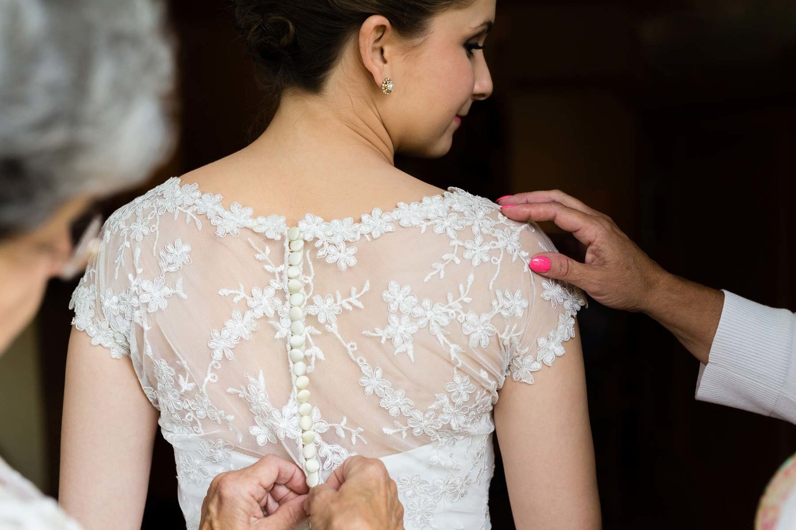 Loon Mountain Resort NH Wedding Photographers New Hampshire Bride getting ready Image I am Sarah V Photography