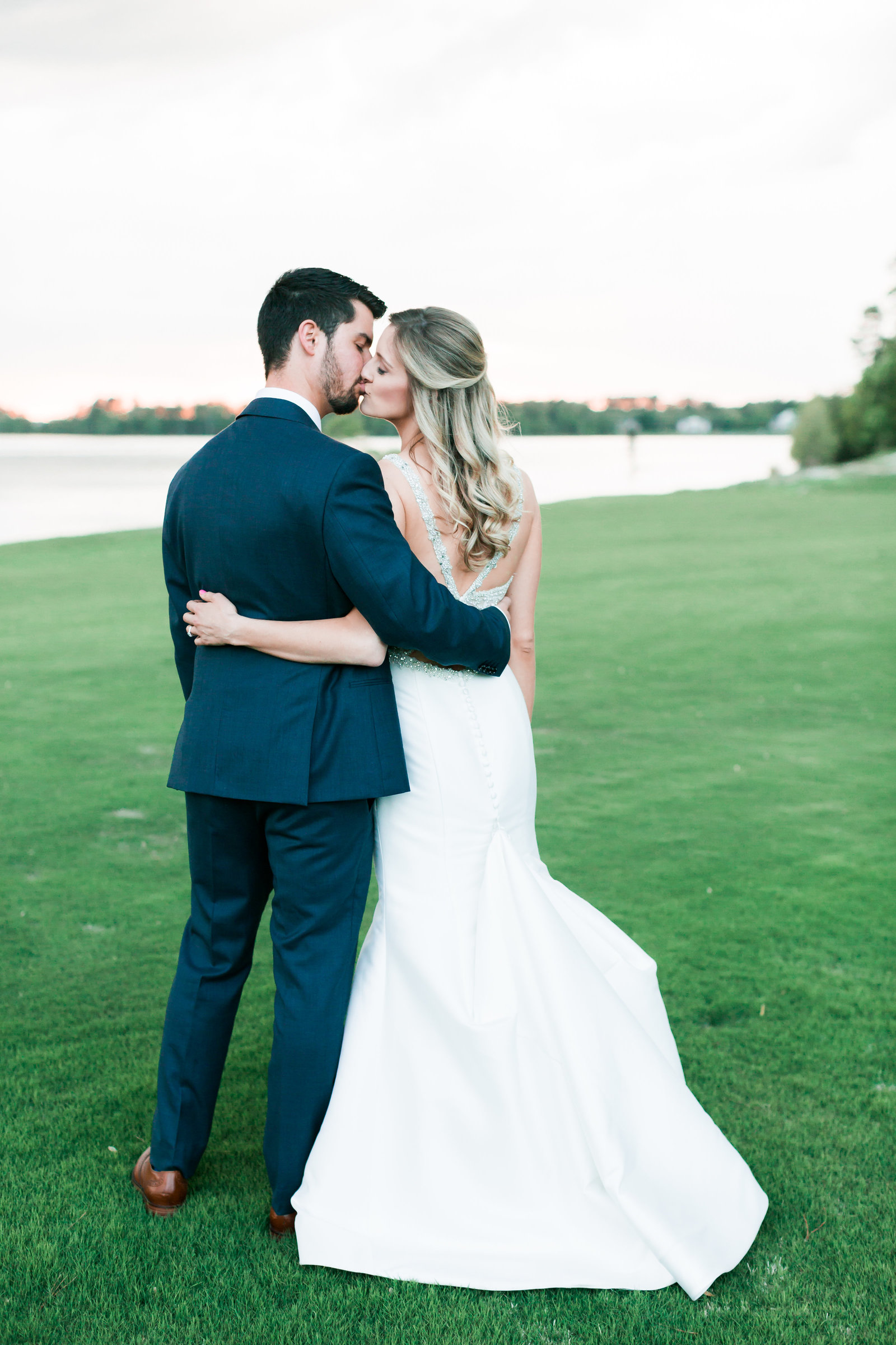 Two Rivers Country Club Classic Spring Wedding by Elizabeth Friske Photography-41