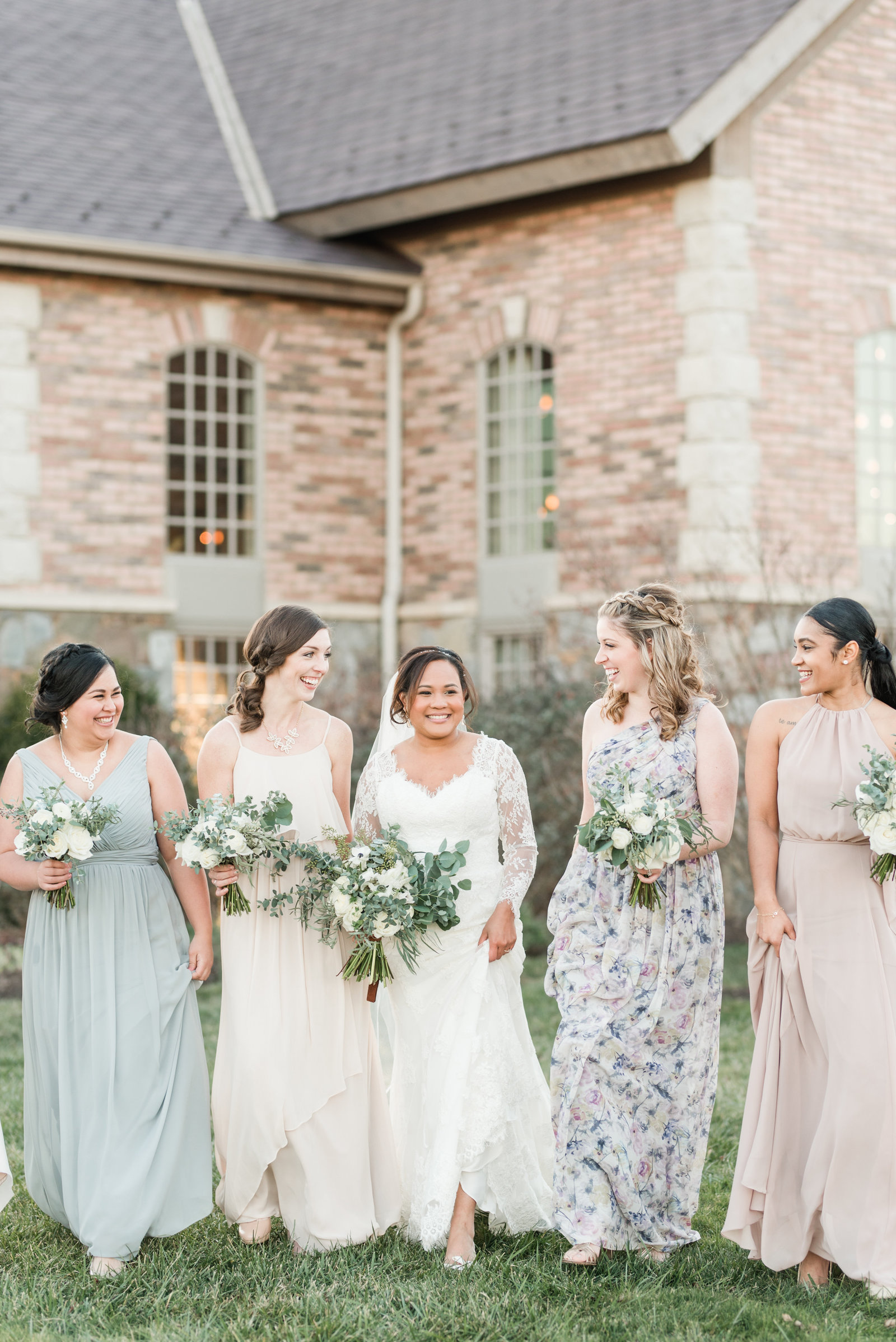 charlottesville-va-wedding-pastel-bridesmaids-dresses-by-virginia-hampton-roads-photogrpaher-photo811