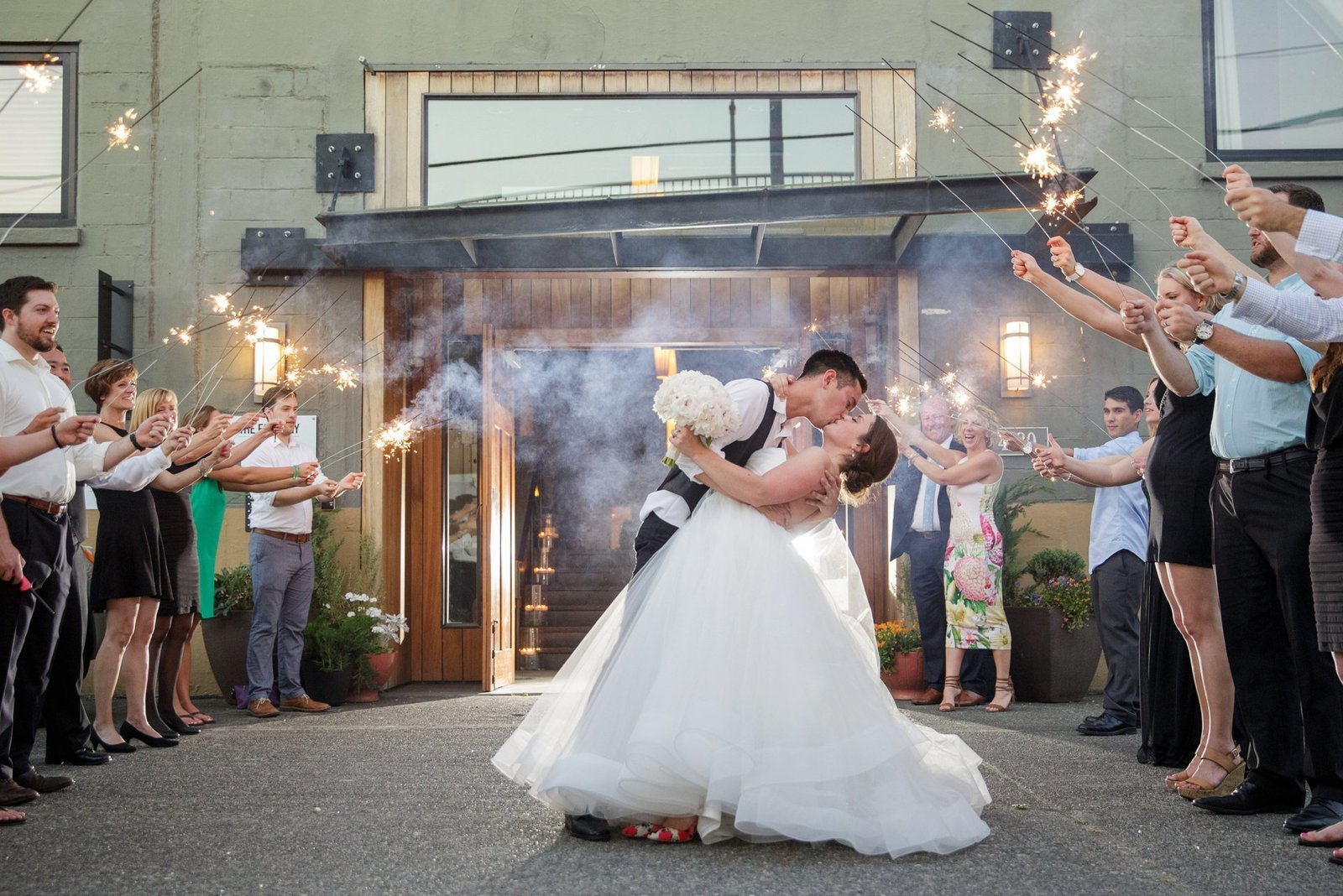 wedding-sparkler-exit-photos