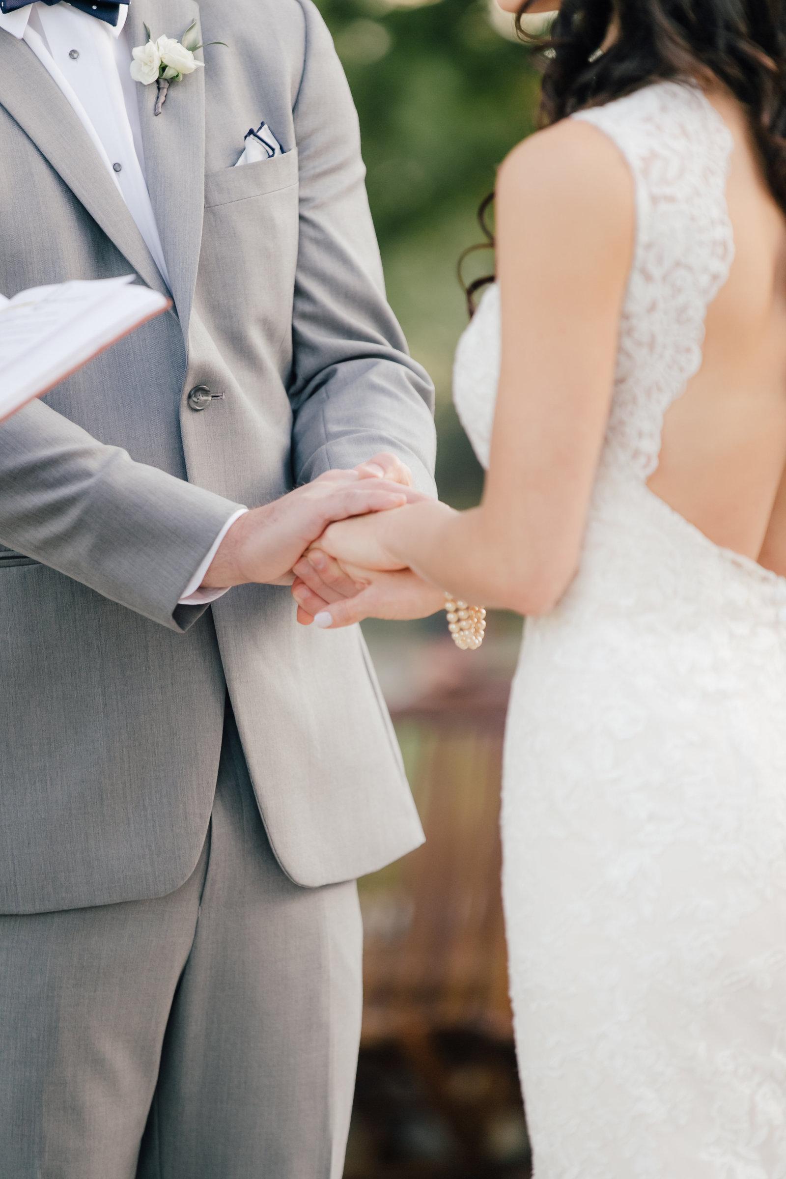 Sarah Goss Wedding Day First Look-2-2