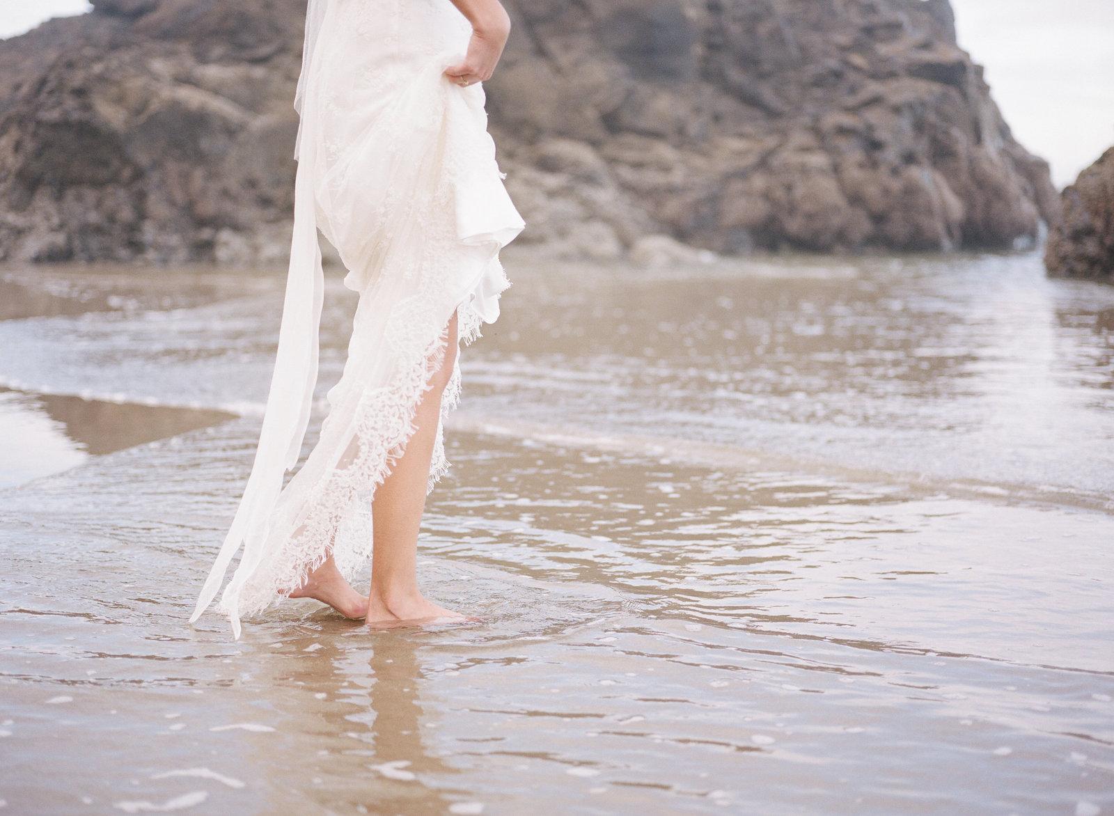 Galatea_romantic_beach_oregon_coast_wedding_dress_JoanneFlemingDesign25