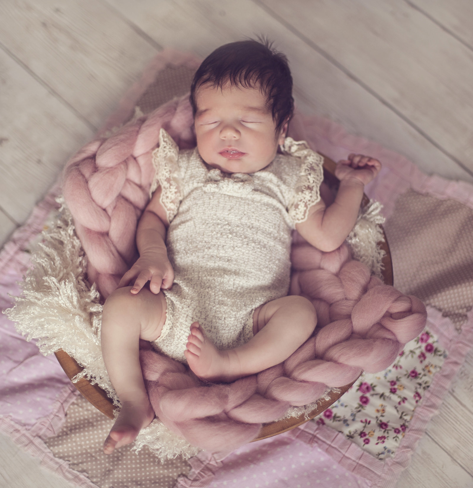newborn shoot with baby Olivia