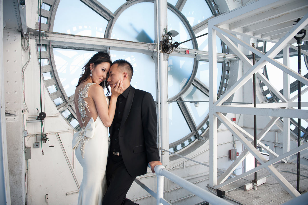 vancouver-wedding-photographer-best-wedding-photographer-clock-tower-engagement-photos-SP081