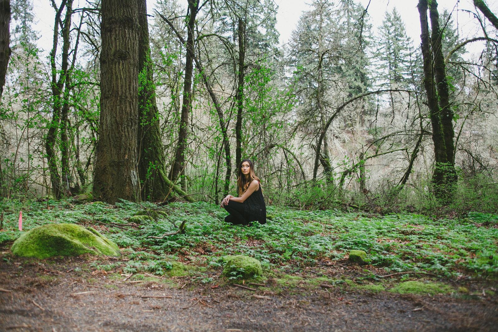 Outdoorsy Senior photography in Portland Oregon | Susie Moreno Photography