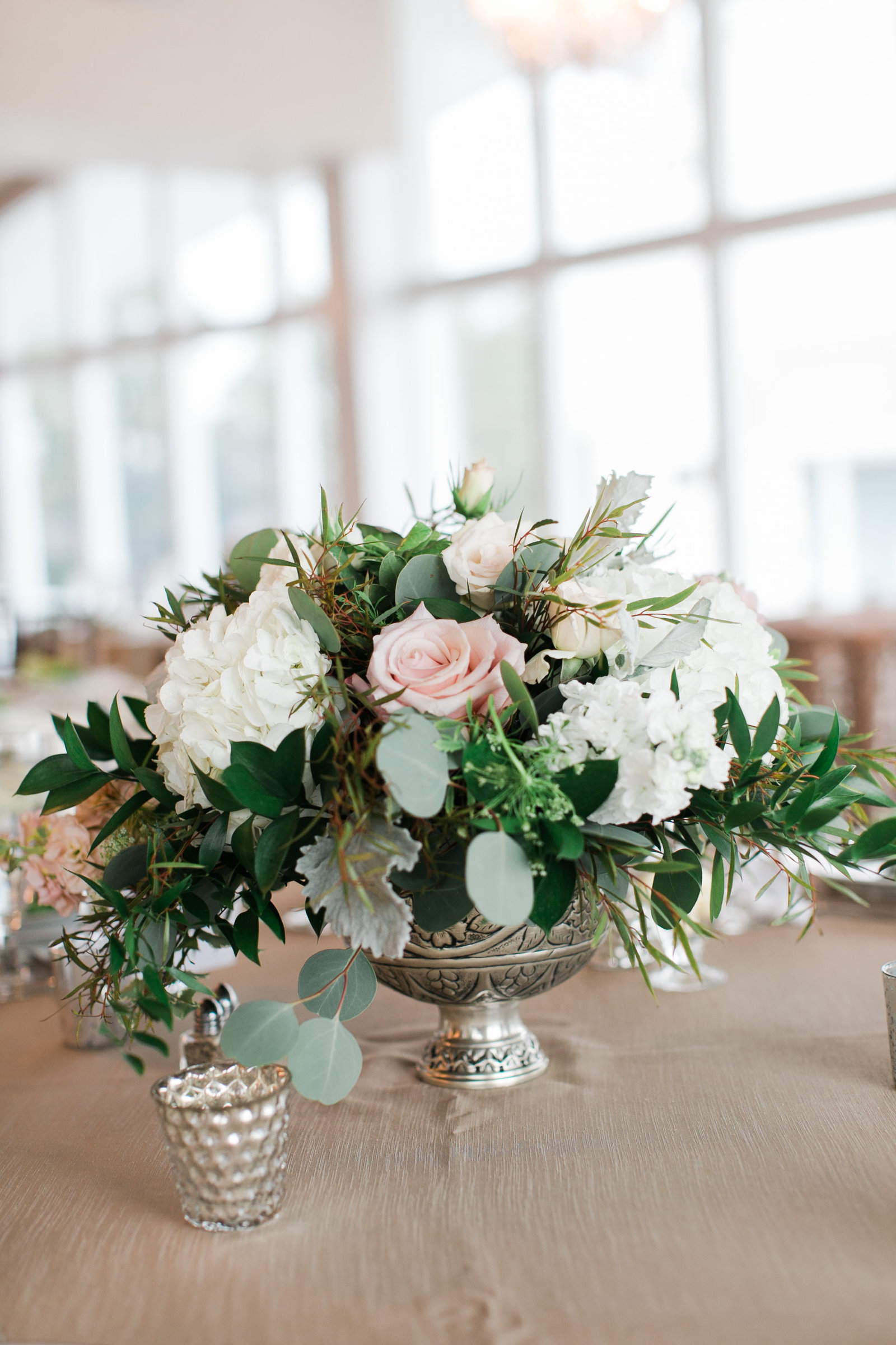 Water Table Wedding | Oyster, Peuter, Gold Wedding by Elizabeth Friske Photography | Nacho + Tina-18